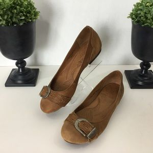 Born Brown Leather Flats, 7.5